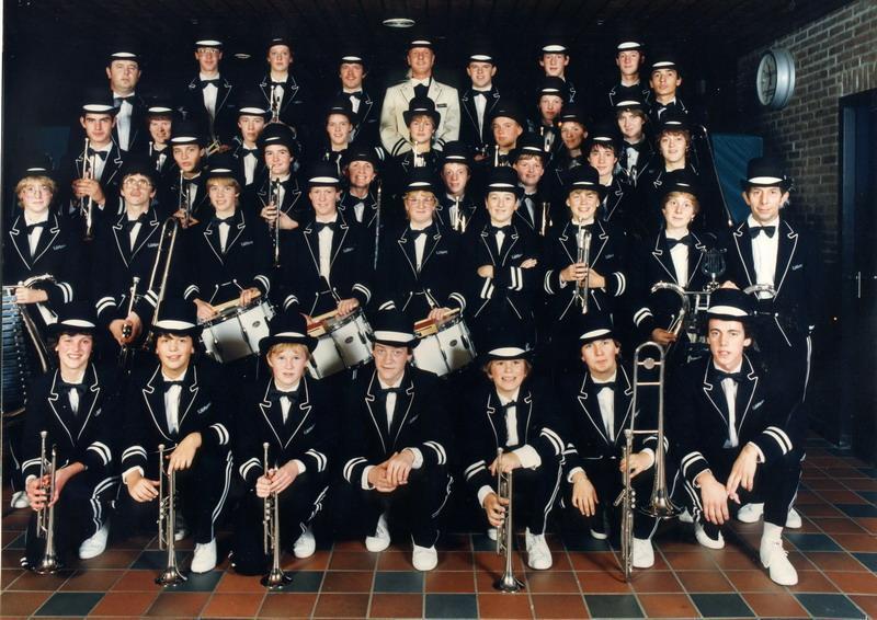 Vlak voor een optreden in de Veluwe hal in 1983