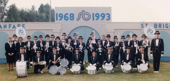 Groepsfoto ter gelegenheid van het 25 jarig bestaan in 1993.